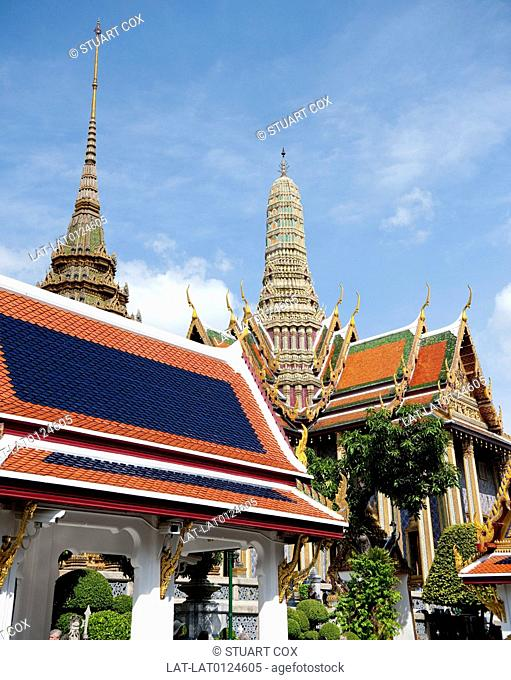 The Grand Palace Phra Borom Maha Ratcha Wang,serves as the official residence of the Kings of Thailand and is a large complex of temples