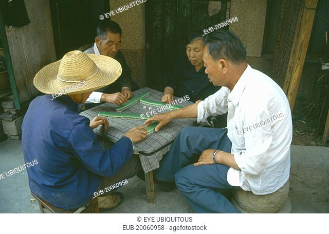 Playing game of majong