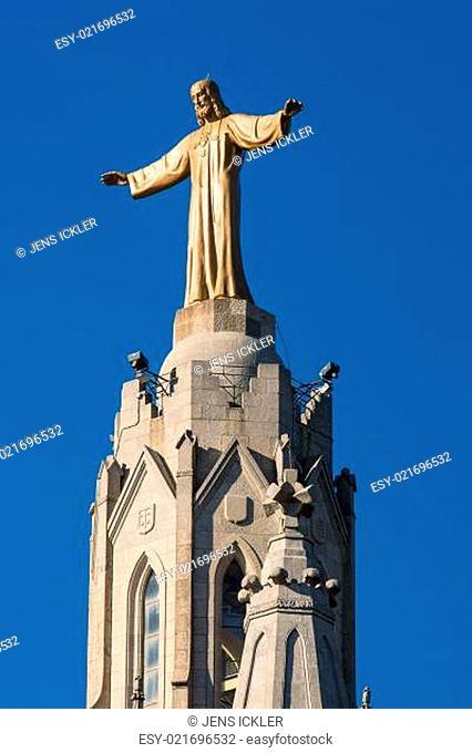 Jesusstatue auf der Sacrat Cor Kirche in Barcelona