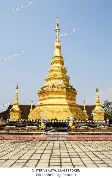 Theravada Buddhism, stupa painted in gold, black pagoda, Damenglong, Xishuangbanna, Sipsongpanna, Yunnan Province, China, Asia