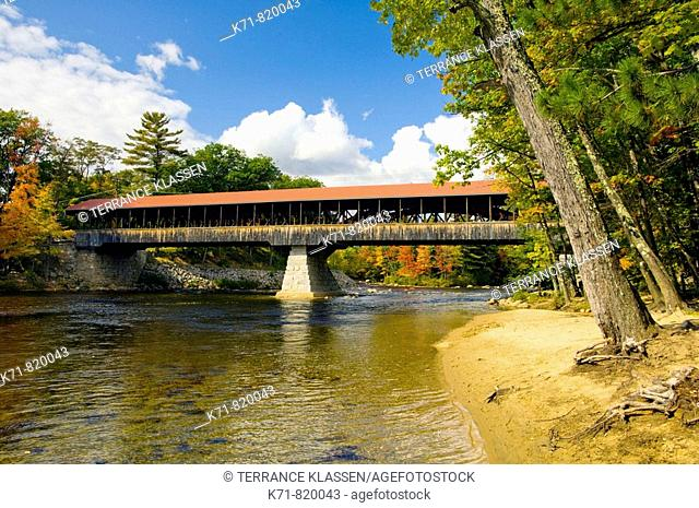 The covered bridge over the Saco River in Conway, New Hampshire, USA