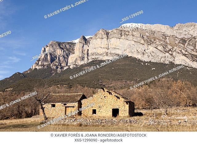 View of Peña Montañesa peak from Fueva Valley, Valley of La Fueva, Huesca, Spain