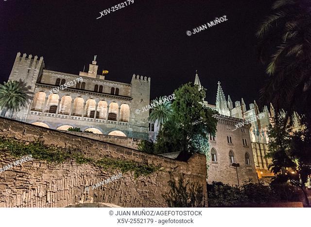 Cathedral of Palma de Mallorca.Palacio Almudaina. Majorca. Balearic Islands. Spain