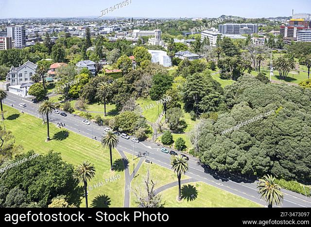 AUCKLAND, NEW ZEALAND - November 05 2019: cityscape from above of lush vegetation at Albert park, shot in bright late spring light on november 05 2019 at...