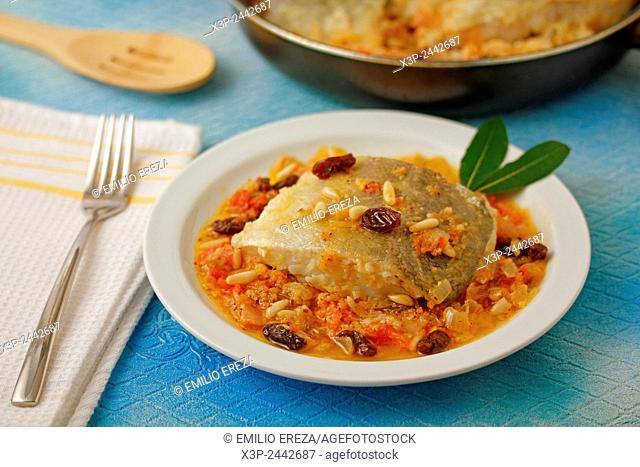 Cod with raisins and pine nuts