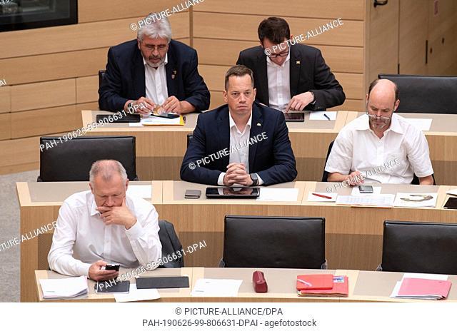 26 June 2019, Baden-Wuerttemberg, Stuttgart: Rainer Hinderer, (r-l), Gerhard Kleinböck, Nicolas Fink, Jonas Weber and Gernot Gruber (all SPD) are sitting in the...