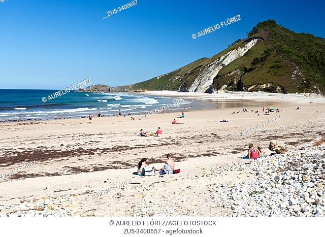 The beach of San Antolín is located in the Spanish town of Naves, in the Asturian council of Llanes. It is the largest beach of the council with 1200 meters in...