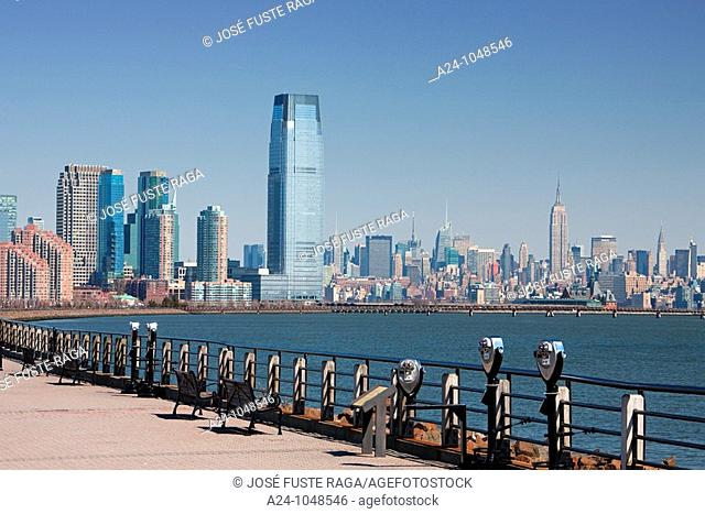 New Jersey skyline and Midtown Manhattan, USA