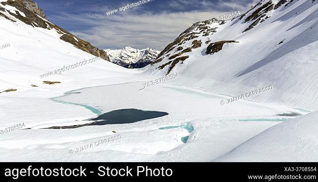 Lhurs lake, Lescun valley, french pyrenees