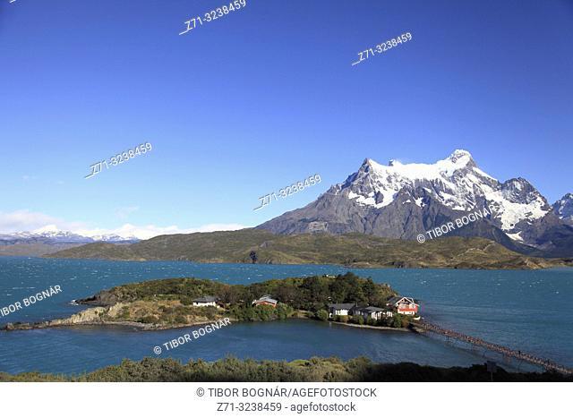 Chile, Magallanes, Torres del Paine, national park, Lago Pehoe, Hosteria Pehoe, Paine Grande,