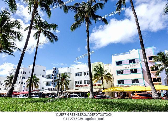 Florida, Miami Beach, Ocean Drive, Lummus Park, Art Deco, hotels, palm trees