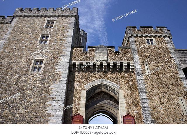 Wales, Cardiff, Cardiff Castle, A view up at the main gate of Cardiff Castle. The castle is a blend of Roman fort, medieval castle and Victorian gothic mansion