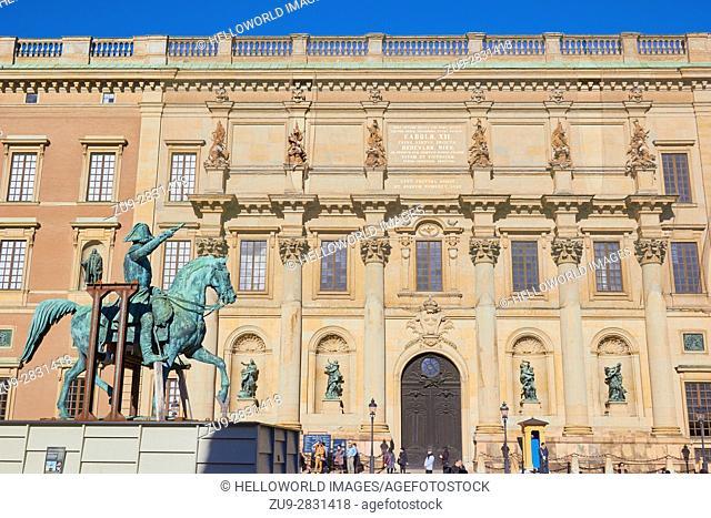 Equestrian statue of King Karl XIV Johan by Bengt Erland Fogelberg in front of Royal Palace (Kungliga Slottet), Stockholm, Sweden, Scandinavia