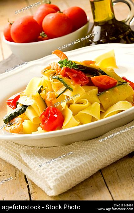 Pasta with Zucchini and Shrimps