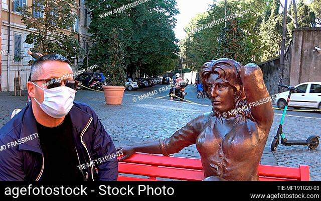 Inaugurated in Rome on the occasion of the Rome Film Festival, in Largo Federico Fellini, a life-size sculpture representing the Italian actress Anna Magnani