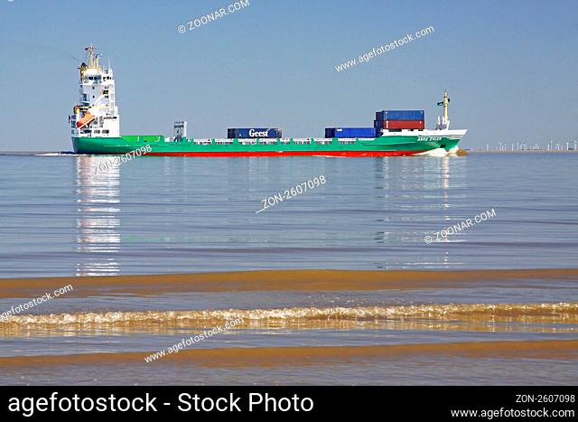 Frachtschiff Anke Ehler auf der Elbe