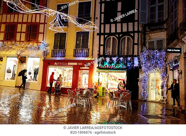 Rain, Christmas decoration, Bayonne, Aquitaine, Pyrénées-Atlantiques, Basque country, 64, France