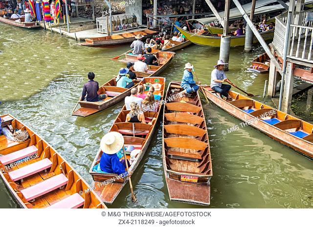 Traffic jam of tourist boats, Damnoen Saduak Floating Market, Ratchaburi, Bangkok, Thailand