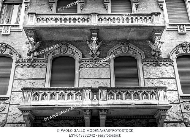 Turin, Corso Francia, Casa dei Draghi/Palazzo della Vittoria von Gottardo Gussoni (art nouveau house). Dragon detail on the facade