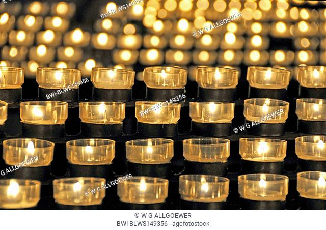 candle lights in Cologne Cathedral, Germany, North Rhine-Westphalia, Koeln