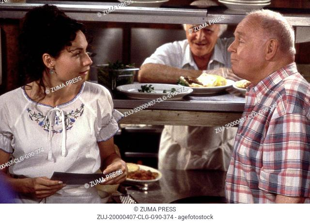 Apr 07, 2000; Chicago, IL, USA; (L-R): Actress MINNIE DRIVER stars as Grace Briggs, ROBERT LOGGIA as Angelo and CARROLL O'CONNOR as Marty in the Bonnie Hunt...