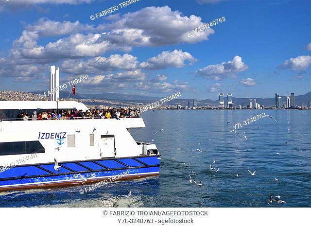 Ferry boat connecting the districts of KarŠŸÄ±yaka and Konak, Izmir, Turkey