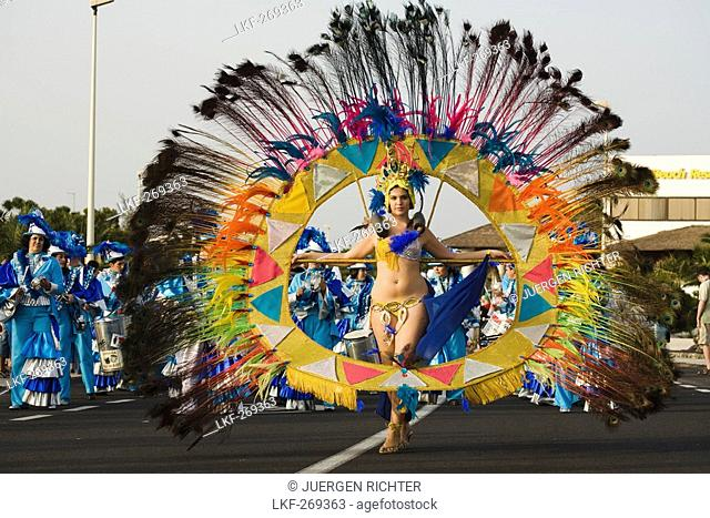 Female dancer at the carnival parade, Gran Coso de Carnaval, Costa Teguise, Lanzarote, Canary Islands, Spain, Europe