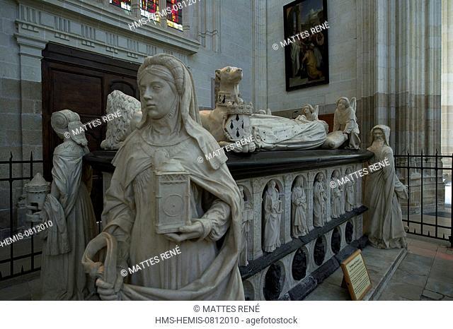 France, Loire Atlantique, Nantes, European Green Capital 2013, St Pierre St Paul Cathedral, recumbent statue of Francois II