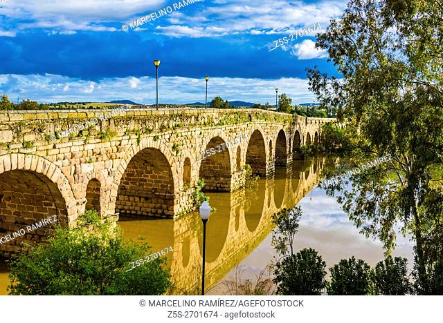 The Puente Romano is a Roman bridge over the Guadiana River at Mérida, Badajoz, Extremadura, Spain, Europe