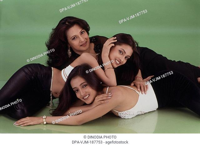 2000, Portrait of Indian film actress Moon Moon Sen with daughters Riya Sen and Raima Sen