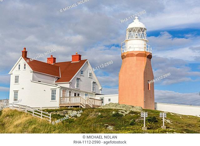 Long Point lighthouse on Crow Head, North Twillingate Island off the northeast coast of Newfoundland, Canada, North America