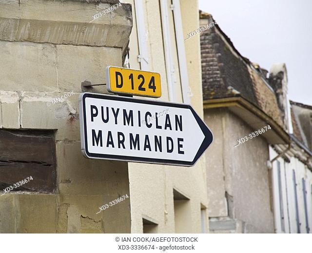 road signs, Saint-Barthelemy-dâ. . Agenais, Lot-et-Garonne Department, Nouvelle Aquitaine, France