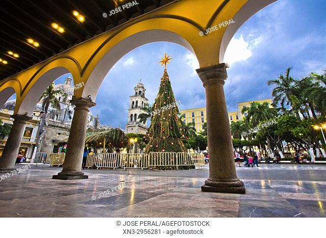 Christmas tree and Christmas decorations, View of the Zocalo from the Town Hall or Municipal Palace of Veracruz, Palacio Municipal, Veracruz City