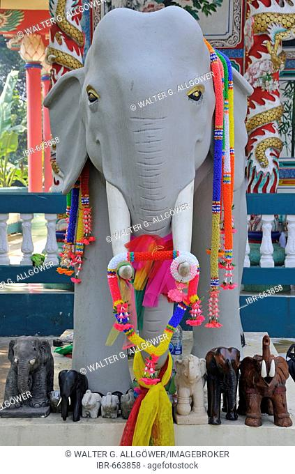 White elephant statue decorated in artificial flower garlands, Kho Chang, Thailand, Southeast Asia, Asia