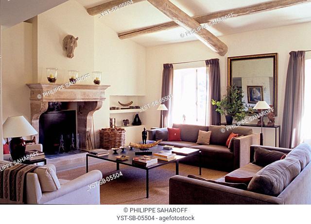 House, old bastide, Gordes, Provence, France