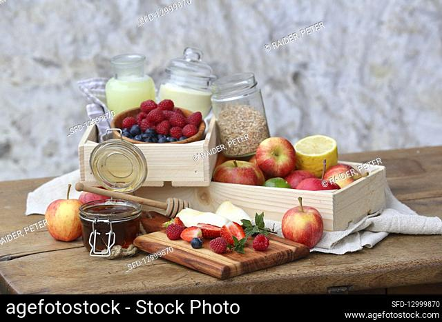 Whey with grains, honey and fruits