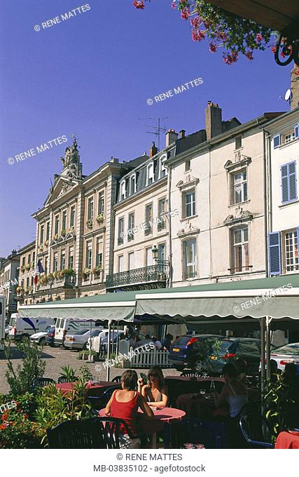 France, Lorraine, Meurthe et  Mosalee, Pont a Mousson place Duroc,   Europe, north-east France, city, city center, Häuserzeile, houses, street cafe, canopy