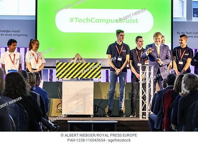 King Willem-Alexander opens the Tech Campus of the ROC Midden Nederland in Nieuwegein  . - Nieuwegein/