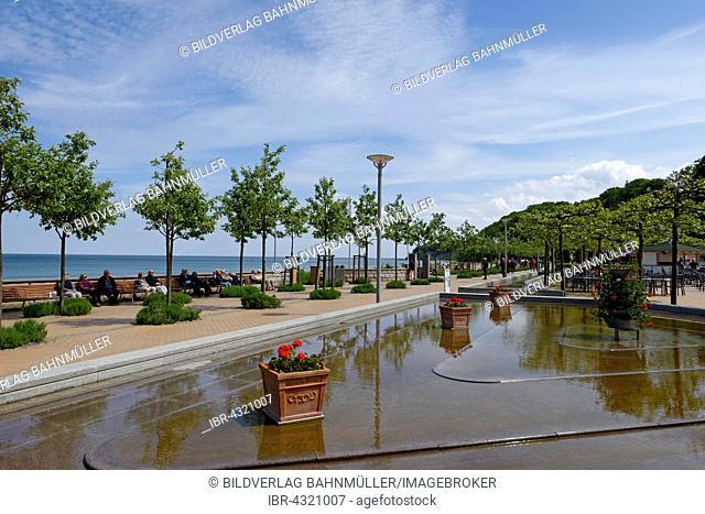 Promenade, Göhren sea resort, Rügen, Mecklenburg-Western Pomerania, Germany