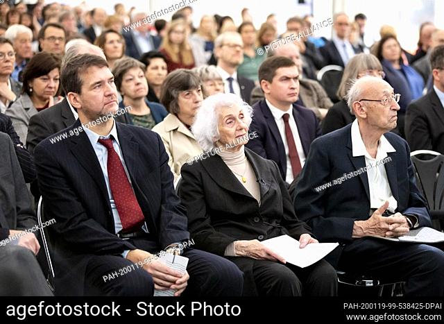 19 January 2020, Berlin: Hans-Christian Jasch (front, l-r), Director of the Memorial and Education Centre, Éva Fahidi, survivors of the Auschwitz-Birkenau and...