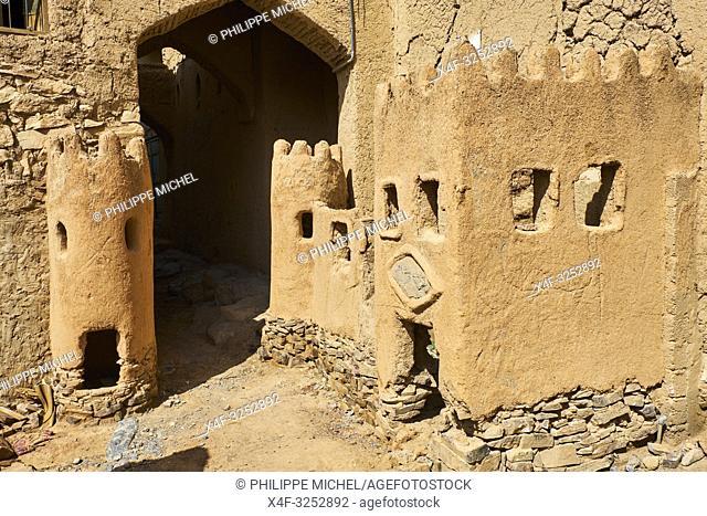 Sultanat d'Oman, gouvernorat de Ad-Dakhiliyah, les monts Hajar, le vieux village en pisé de Al Hamra au pied du Djebel Shams / Sultanate of Oman