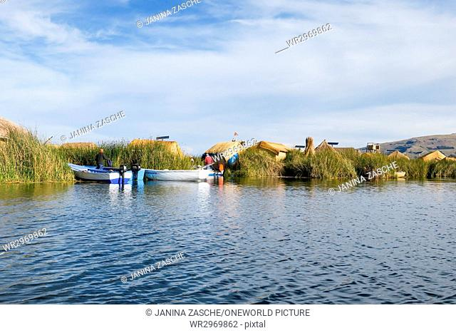 Peru, Puno, By boat to the Uros Islands