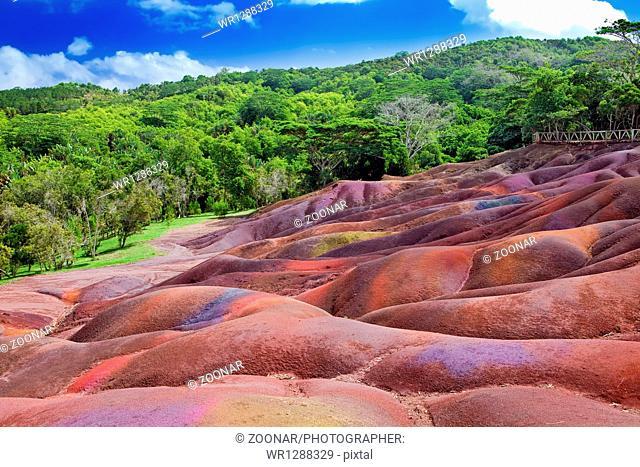 Mauritius- Chamarel-seven-colo r lands