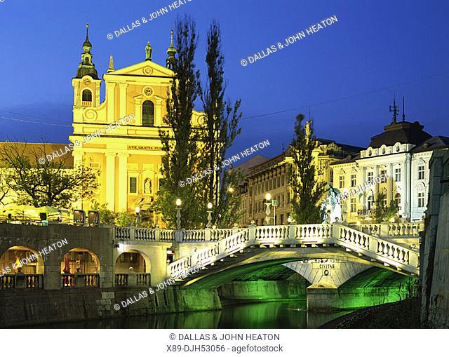 Slovenia, Ljubljana, Preseren Square, Triple Bridge, Franciscan Church of the Annunciation, Night