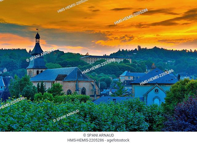France, Dordogne, Dordogne Valley, Black Perigord, Sarlat la Caneda, Saint Sacerdos Cathedral, architectural view of an urban landscape of the Cathedral at...