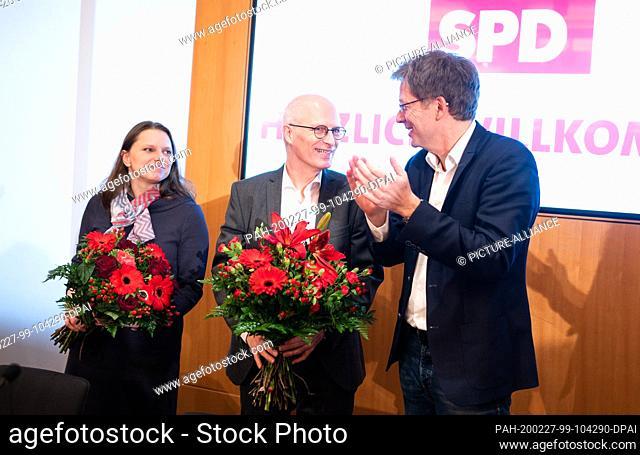 27 February 2020, Hamburg: Peter Tschentscher (M, SPD), First Mayor of Hamburg, and Melanie Leonhard (SPD), Social Senator of Hamburg and Chairwoman of the SPD...