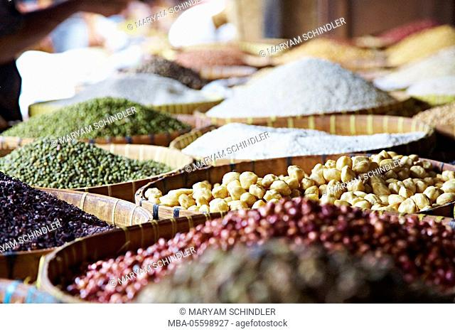 Market, baskets full of food, travel, beans, spices, chickpeas, Lombok, Indonesia, Asia