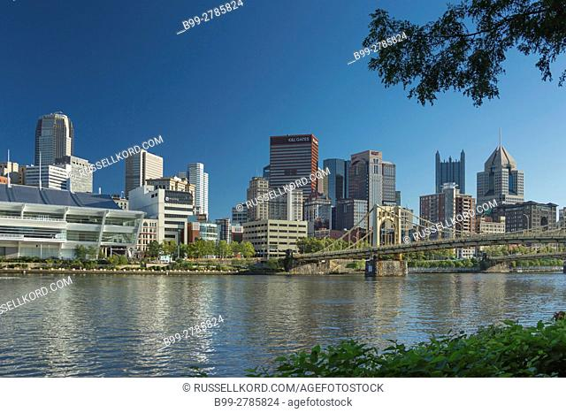 DAVID LAWRENCE CONVENTION CENTER ALLEGHENY RIVER DOWNTOWN SKYLINE PITTSBURGH PENNSYLVANIA USA