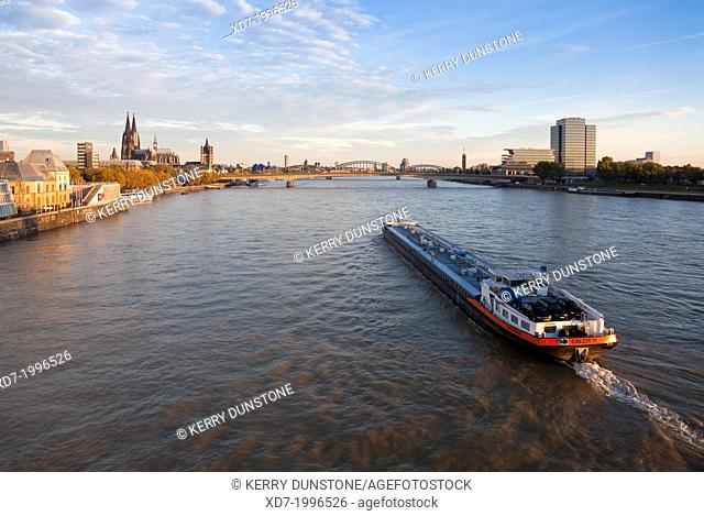 River Rhine with Deutzer Brucke (Bridge) and Cathedral beyond, Cologne, Rhine-Westphalia, Germany