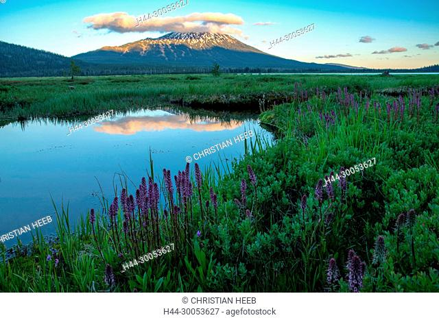 North America, American, America, USA, Pacific Northwest, Oregon, Central Oregon, Bend, Deschutes National Forest, Sparks Lake